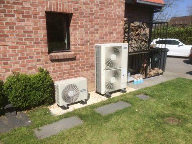 Groupe extérieur ballon d'eau chaude thermodynamique + groupe PAC air-eau